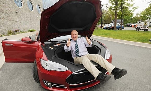 Jeff Dahn having some fun with a Tesla